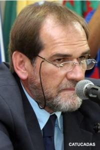 Aldemir é acusado de atrapalhar investigação.